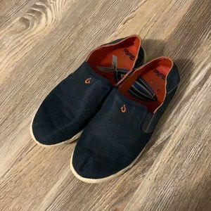 Olukai boys slip on sneakers size 4